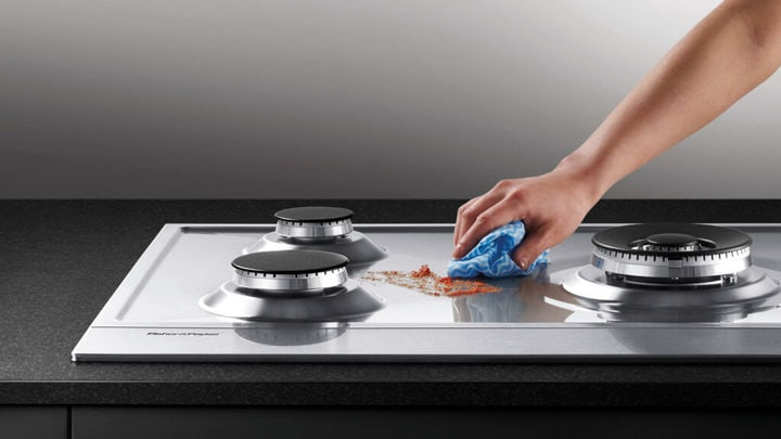cleaning of kitchen hobs